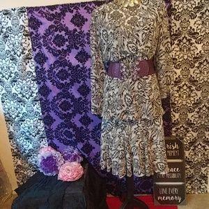 Two piece skirt suit M/L